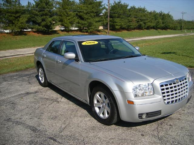 2006 Chrysler 300 for sale in Georgetown OH