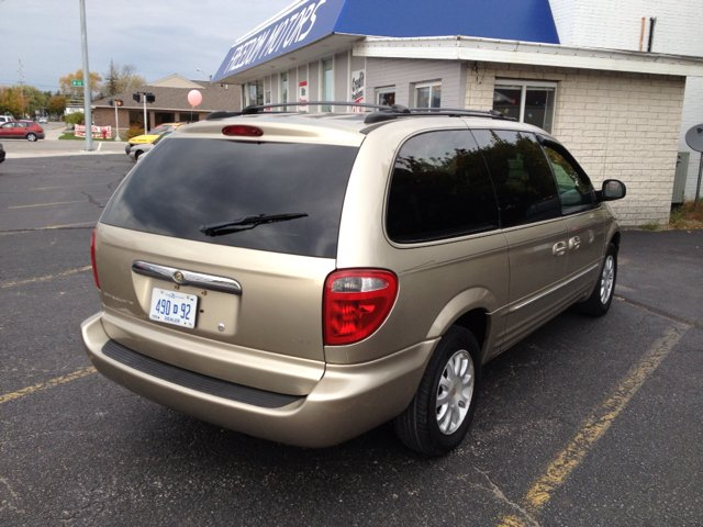 2003 chrysler town and country lxi fwd for sale in alpena rogers city. Cars Review. Best American Auto & Cars Review
