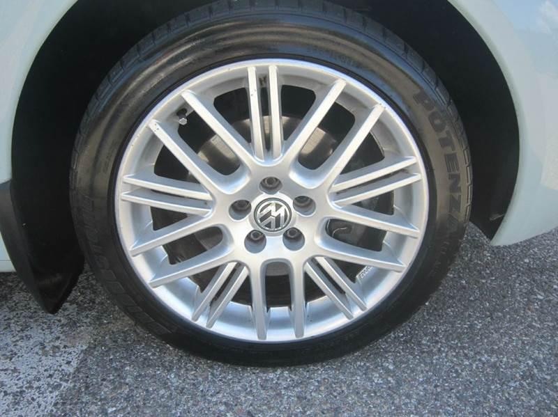 2005 Volkswagen New Beetle 2dr GLS 1.8T Turbo Convertible - Fullerton CA