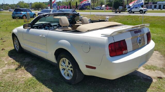 2006 Ford Mustang V6 Standard 2dr Convertible - Foley AL