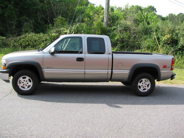 2000 chevrolet silverado 1500 ls 3dr 4wd extended cab sb hickory nc. Black Bedroom Furniture Sets. Home Design Ideas
