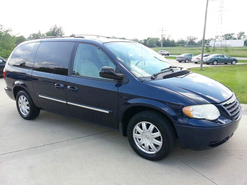2005 chrysler town and country touring 4dr extended mini van in anderson in southside. Black Bedroom Furniture Sets. Home Design Ideas