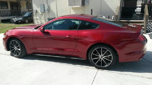 2015 Ford Mustang EcoBoost Premium 2dr Fastback - Del Rio TX