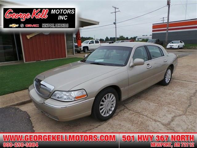 2005 lincoln town car for sale in topeka ks. Black Bedroom Furniture Sets. Home Design Ideas
