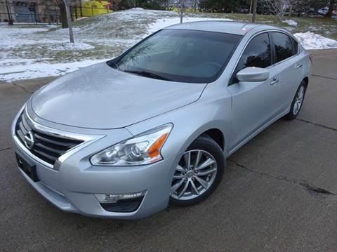 2013 Nissan Altima for sale in Chicago, IL