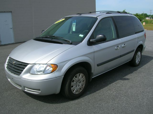 2006 Chrysler Town and Country for sale in Seaford DE