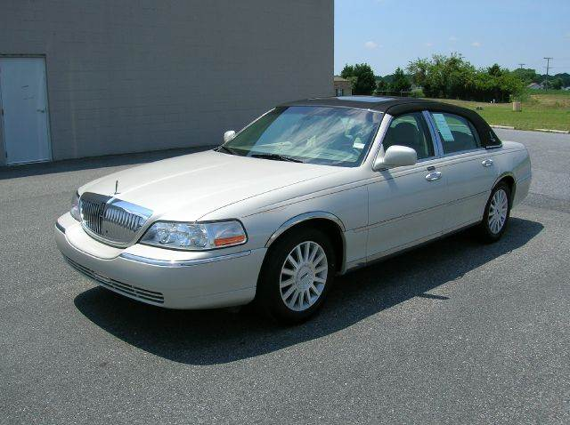 2005 Lincoln Town Car for sale in Seaford DE