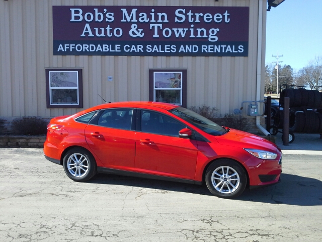 2015 Ford Focus SE 4dr Sedan - West Bend WI