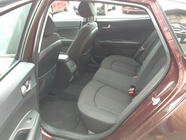 2016 Kia Optima LX 4dr Sedan - West Bend WI
