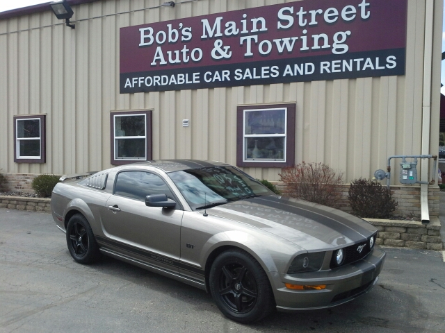 2005 Ford Mustang GT Deluxe 2dr Coupe - West Bend WI