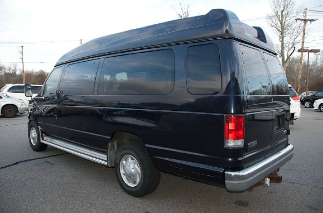 2000 ford e 350 e 350 super duty in bridgewater ma. Black Bedroom Furniture Sets. Home Design Ideas