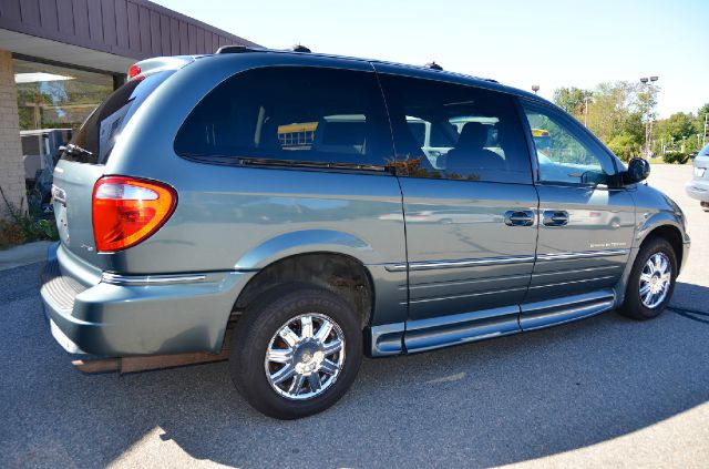 2006 Chrysler Town And Country Limited In Bridgewater Ma