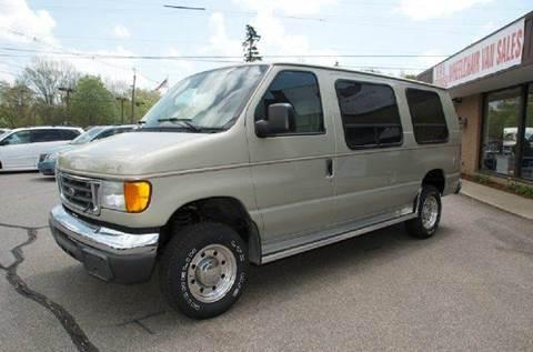 2004 Ford Econoline E250