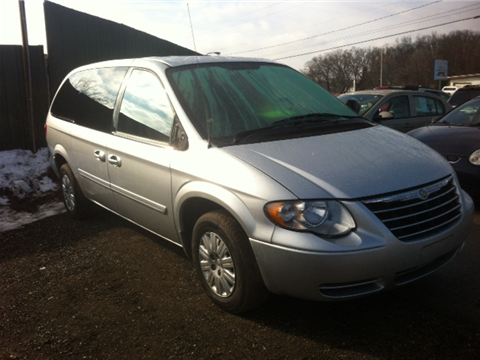chrysler town and country for sale in muskegon mi. Black Bedroom Furniture Sets. Home Design Ideas