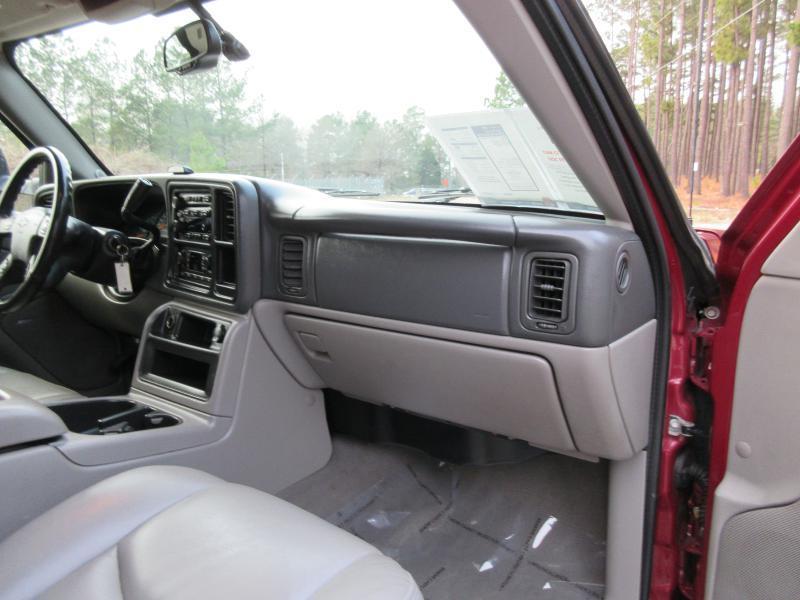 2006 Chevrolet Avalanche LS 2500 4dr Crew Cab 4WD SB - Garner NC