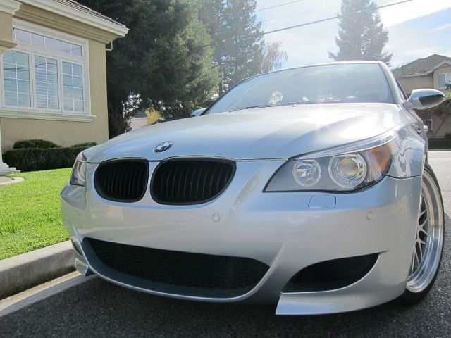 2006 BMW M5 SEDAN silver silicon valley european brings you another great deal get behind the whe