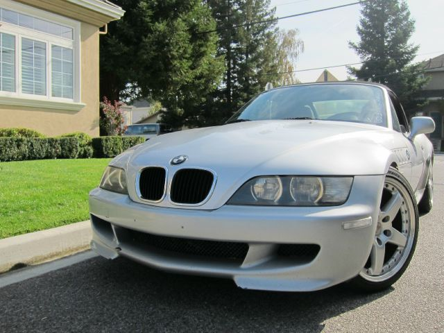 2000 BMW Z3 23 ROADSTER silver silicon valley european brings you this clean sporty z3 with perfo