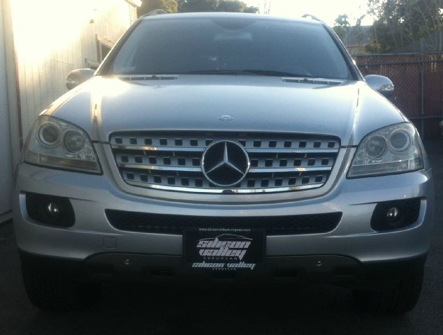 2006 MERCEDES-BENZ M-CLASS ML500 silver 4wdawdabs brakesair conditioningalloy wheelsamfm rad