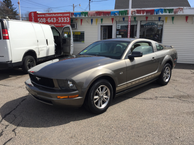 2005 Ford Mustang V6 Deluxe 2dr Coupe - North Attleboro MA