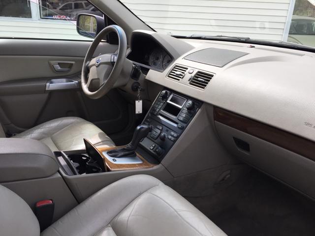 2005 Volvo XC90 2.5T AWD 4dr Turbo SUV - North Attleboro MA