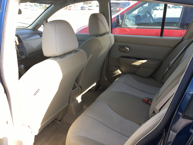 2008 Nissan Versa 1.8 SL 4dr Hatchback 6M - La Crosse WI