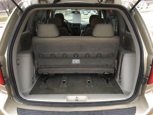 2007 Dodge Caravan SXT 4dr Mini-Van - La Crosse WI