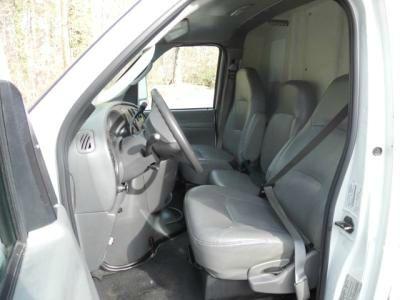 2006 Ford E-450 17' BOX TRUCK - Wilmington NC