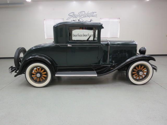 1930 Chrysler COUPE
