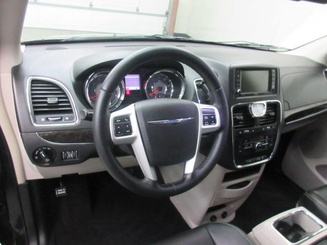 2014 Chrysler Town And Country Touring 4dr Mini Van In