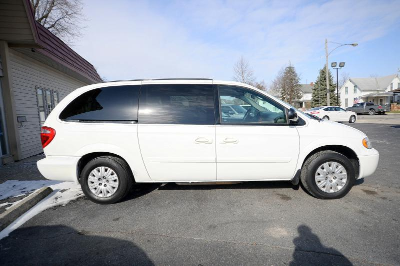 2006 chrysler town and country lx 4dr extended mini van in. Black Bedroom Furniture Sets. Home Design Ideas