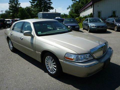 2004 Lincoln Town Car for sale in Milford, NH