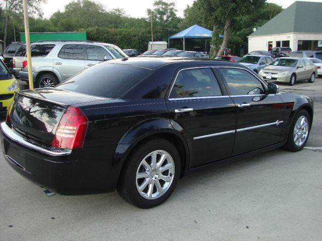 2006 chrysler 300c 1411 fort worth ave ste a dallas tx 75208 used cars for sale. Black Bedroom Furniture Sets. Home Design Ideas