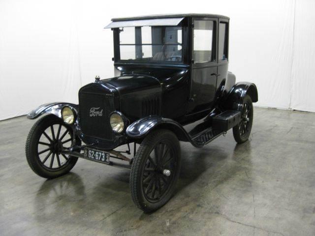 1924 Ford Custom
