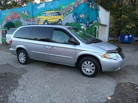 2006 Chrysler Town and Country for sale in Pittsburgh, PA