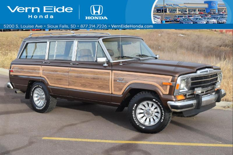 1985 Jeep Grand Wagoneer for sale in Sioux Falls, SD