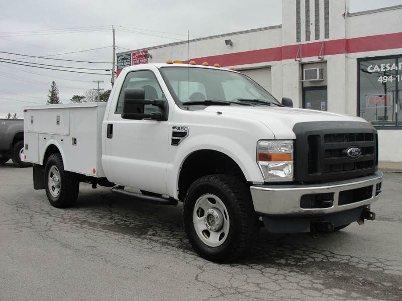 2009 Ford F-350 Super Duty 4x4 XL 2dr Regular Cab 141 in. WB SRW Chassis w/68U Payload Upgrade Package - Bergen NY