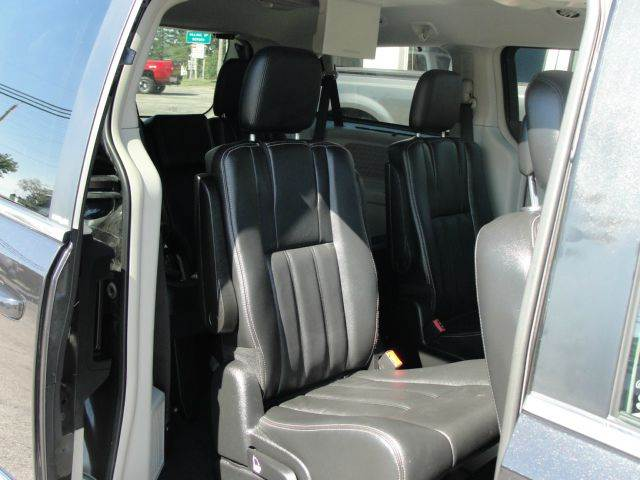 2013 Chrysler Town and Country Touring 4dr Mini-Van - Bergen NY