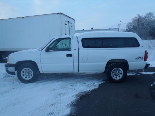 2005 chevrolet silverado 1500 work truck w camper shell in pocatello id p r auto sales. Black Bedroom Furniture Sets. Home Design Ideas