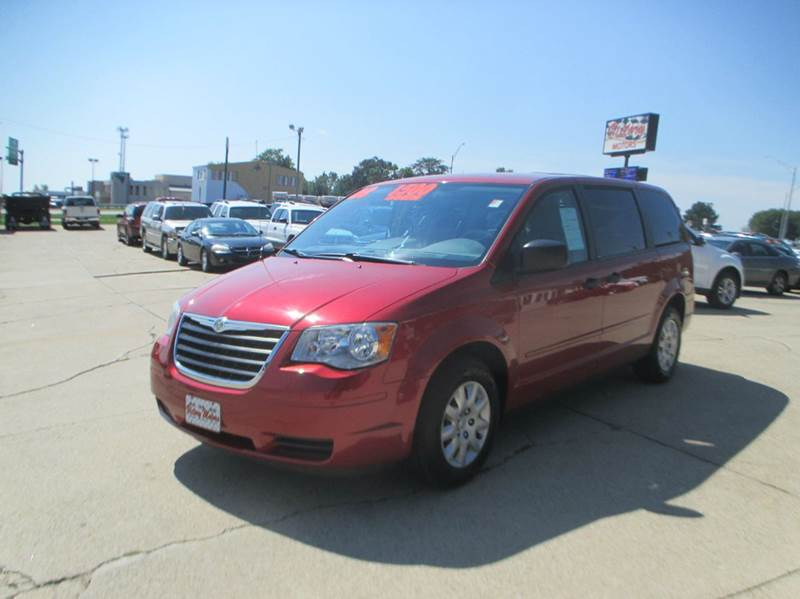 Chrysler for sale in waterloo ia for Community motors gmc waterloo iowa