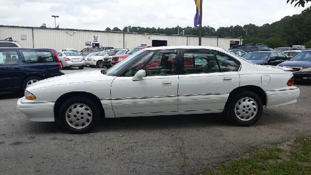 1993 Pontiac Bonneville near Greenville NC 27834 for $1,995.00