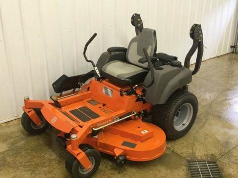 2017 Husqvarna M-ZT 61 EFI Zero Turn Lawn Mow for sale in Wayland, MI