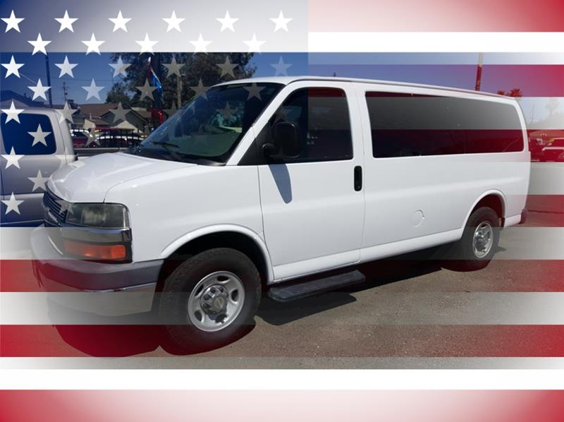 2009 Chevrolet Express Passenger LS Van D - Riverbank nul