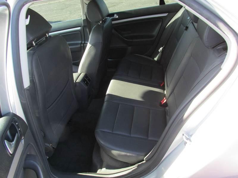 2006 Volkswagen Jetta 2.5 4dr Sedan w/Automatic - Phoenix AZ