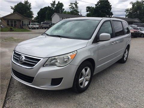 2010 Volkswagen Routan for sale in Henryville, IN