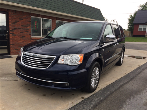 2014 Chrysler Town and Country for sale in Henryville, IN