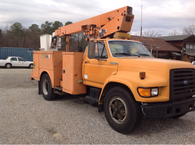 1995 Ford F-800 36ft Bucket Truck 36ft Boom Cummins Diesel - Colonial Heights VA