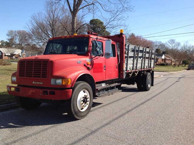 2000 International Ihc 4900 Crew Cab 16Ft Stake Body  Crew Cab 16Ft Flat Bed Dt466E Diesel - Colonial Heights VA