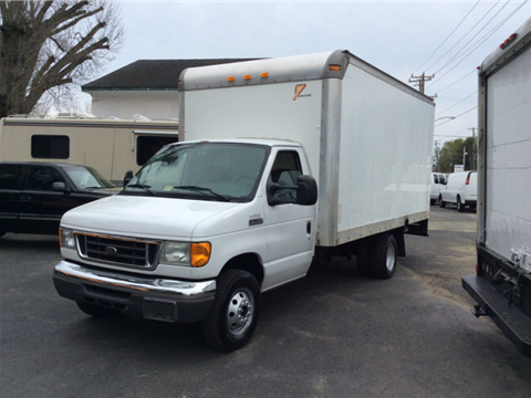 2006 Ford E-350 Sd 15Ft Box Truck