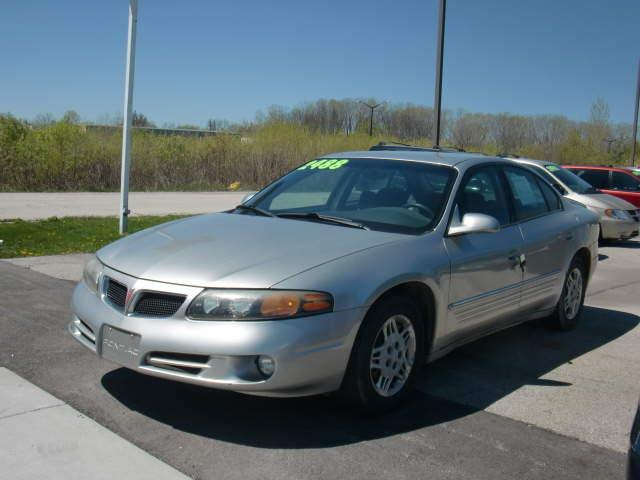 2004 Pontiac Bonneville SE 4dr Sedan - Green Bay WI