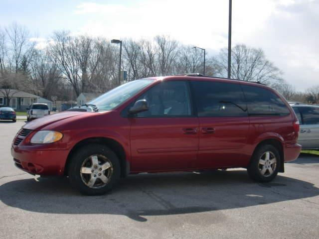 2007 Dodge Grand Caravan SXT 4dr Extended Mini-Van - Green Bay WI